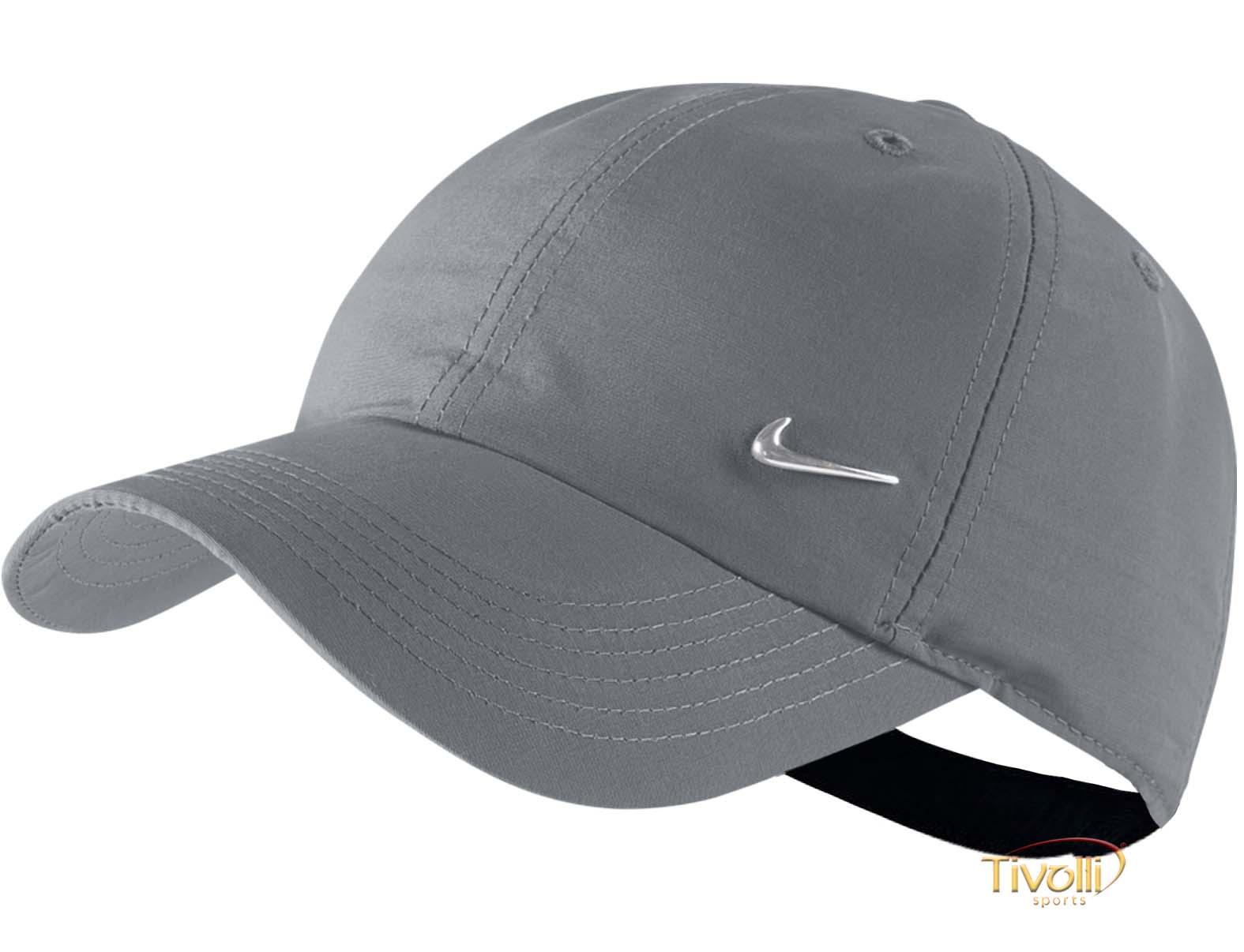 Boné Nike Heritage 86 Metal Swoosh   Infantil Cinza Ajustável   17f0bd62a64