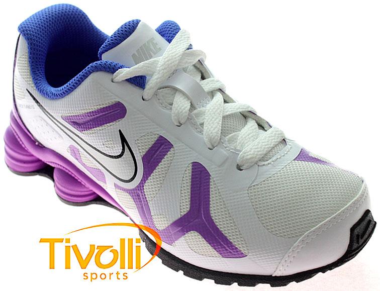 pretty nice 7dc10 52ceb Tênis Nike Shox Turbo 13 (PS) infantil Branco Roxo